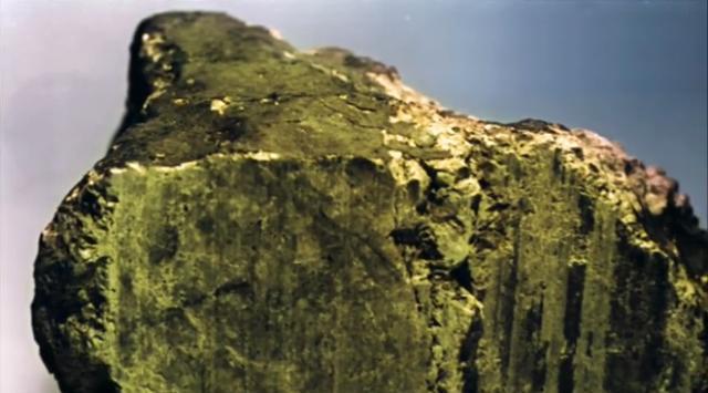 火星陨石被科教家封闭7年, 现在泛起褐色迹象, 隐微镜下发明不公道物量
