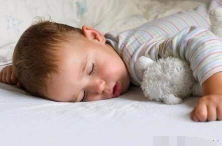 透过宝宝的睡姿, 看穿宝宝的性格