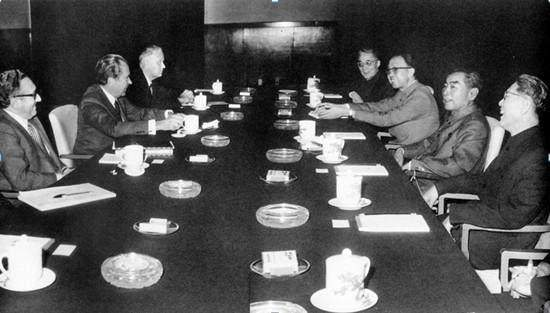 澳门永利赌场网址:此人在日内瓦会议上做一事,_让尼克松18年后为周总理脱衣致敬