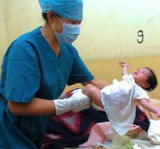 产妇刚生完胎儿就戴收腹带? 产科医师教你正确时间, 这样戴准没错