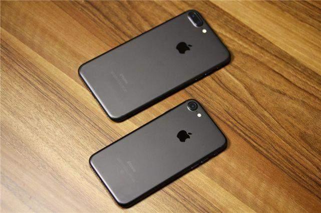 mg电子游戏技巧:女子两千多买的iPhone7P_拆机看看里面长什么样子