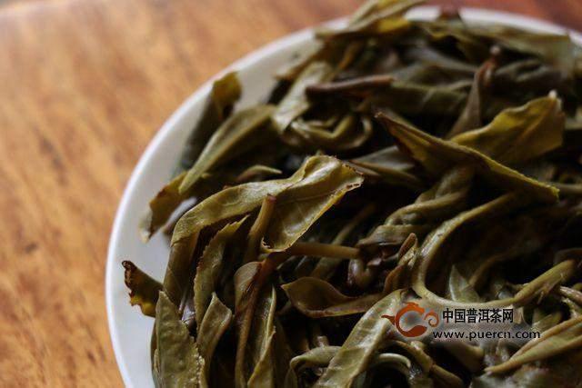 威尼斯人网站:如何看茶叶的条索?
