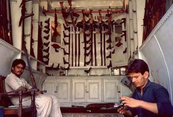 """mg电子平台:在""""巴铁""""有这样一个靠造枪为生的小村庄"""