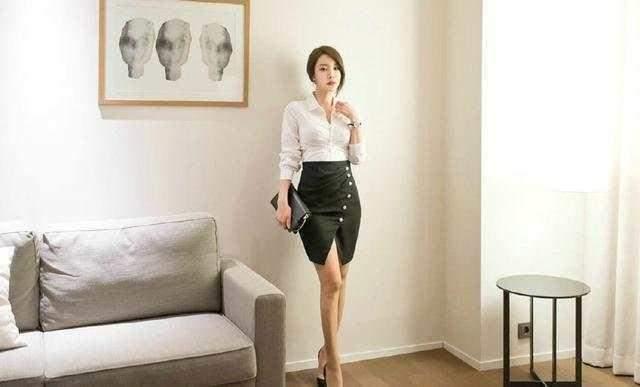 性感时尚的黑色包臀裙,美丽不可方物热裤上身很有活力