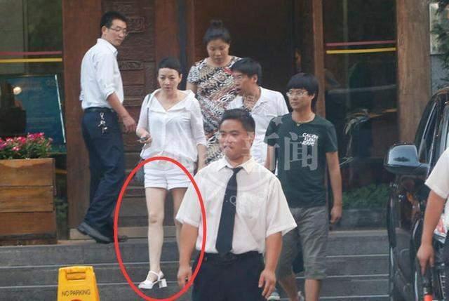 宋丹丹的腿,_雪姨的马甲线,_俞飞鸿的颜