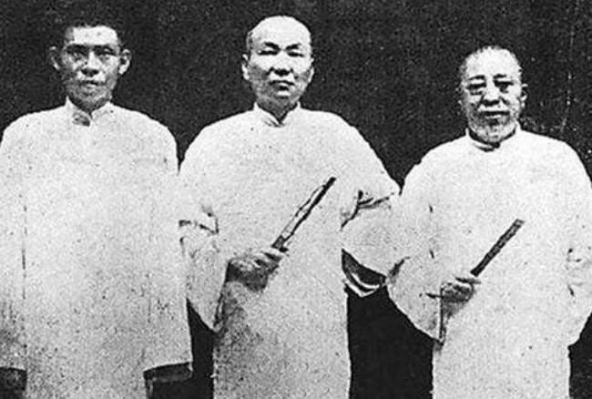 但是张仁奎在青帮中的资历辈分是毋庸置疑的.