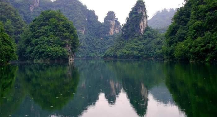 思南乌江喀斯特国家地质公园   思南乌江喀斯特国家地质公园位于贵州