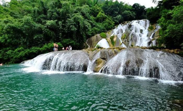 壁纸 风景 旅游 瀑布 山水 桌面 700_426