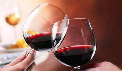 葡萄酒的种类众多,光从颜色分类就有红葡萄酒,白葡萄酒和桃红葡萄酒