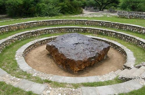 自称世界最年夜的陨石, 霍巴陨石果太重被保存在本天