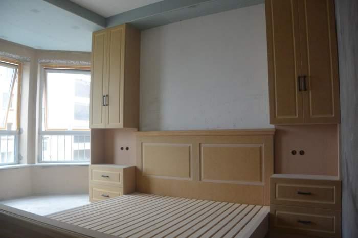 装修卧室床头做软包, 木工造型应该怎么做