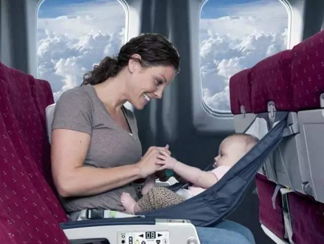 美宝妈妈带宝宝坐飞机注意事项