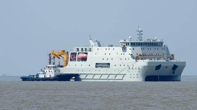 中国低调建成一年夜船,不带一枪一炮,西方却称比遣散舰还牛