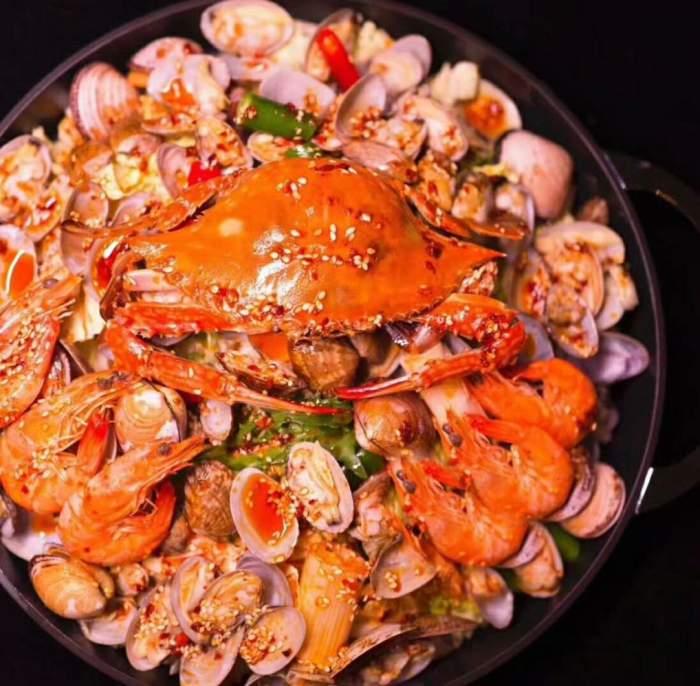 螃蟹自古贵, 只想邀你吃, 去炅爸爸小海鲜走一遭?