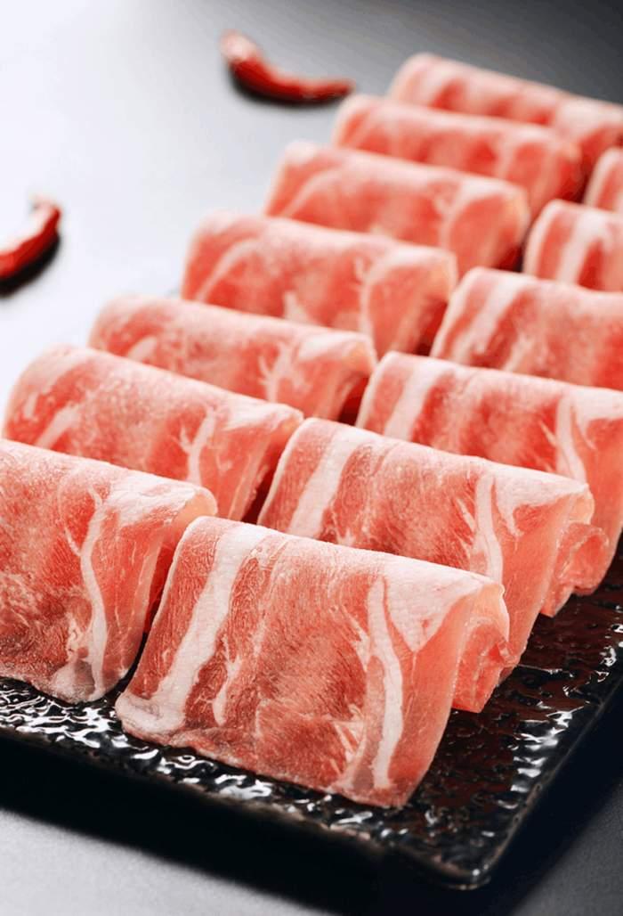 一个被开始的征服,重庆解放碑老美食!_好吃一火锅猪肉图片