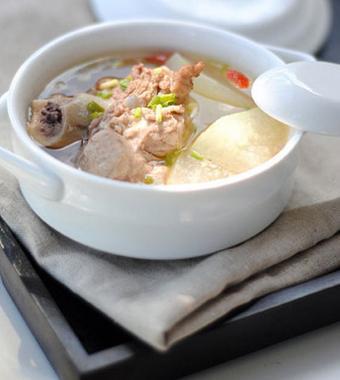 清热祛湿汤 三款汤谱健脾祛水肿