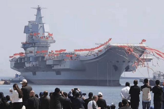 """""""山东舰""""正式投入使用!辽宁舰:兄弟你好!中国在造船制造业领域又上一个新台阶!"""
