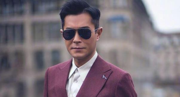 刘欢捐款50万,本山捐200万,他身价15亿捐一分钱,活该被查