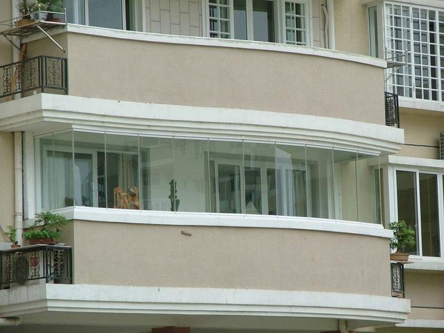 带柱子的阳台是凸是凹,半凸半凹阳台安全吗
