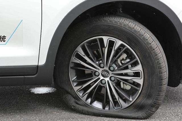 轮胎跑多少公里更换,跑高速时轮胎有多少度