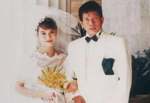 18年前,刘家良突袭回家给妻子惊喜,三分钟后妻子上司在家中坠亡 翁静晶 刘家良 手游热点  第11张