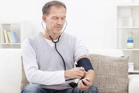 """这病是高血压的""""并发症""""!别再放任不管,早发现早治疗"""