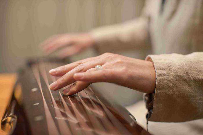 听乐曲,养五脏——《黄帝内经》中的音乐养生