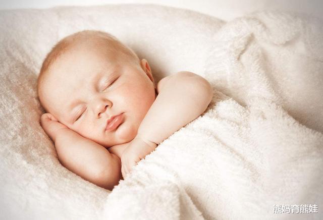 """宝宝半夜起来玩,很晚都不困?可能是""""隐藏睡眠""""被忽视了"""