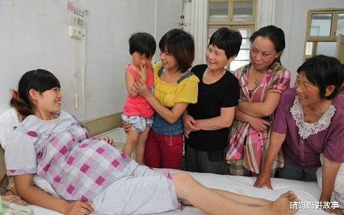 年轻产妇生完孩子后,发现自己尿裤子了,医生:立即抢救