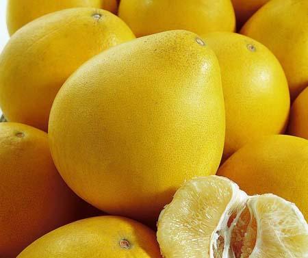 德馨: 冬季到了柚子十分受到欢迎那么如何挑选柚子