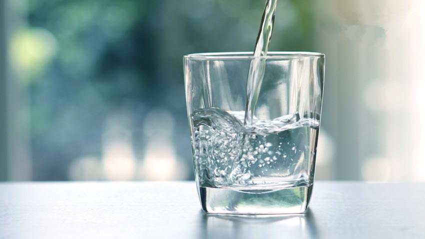 多喝热水的科学原理是什么,喝凉水到底对身体有没有害?