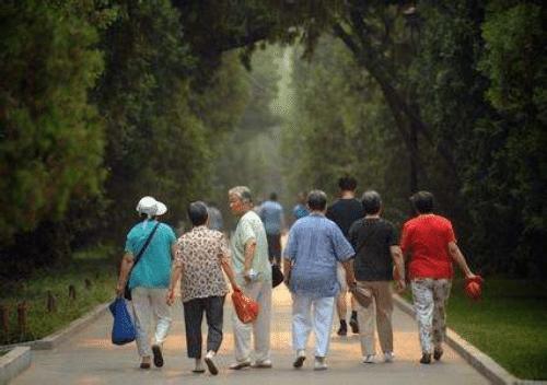 """""""活太久""""也成一种烦恼?这些老年健康养生知识,学到就是赚到!"""