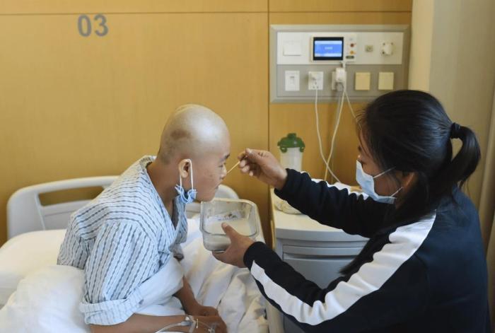 """为何""""患癌者""""越来越多?提醒:记住5个字,癌症会""""绕着你走"""""""