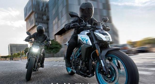 春风250带人怎么样,骑行最舒适的摩托车