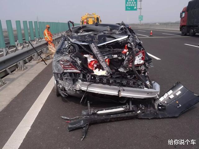 高速爆胎可以在应急车道换轮胎吗,高速爆胎可以走应急车道吗