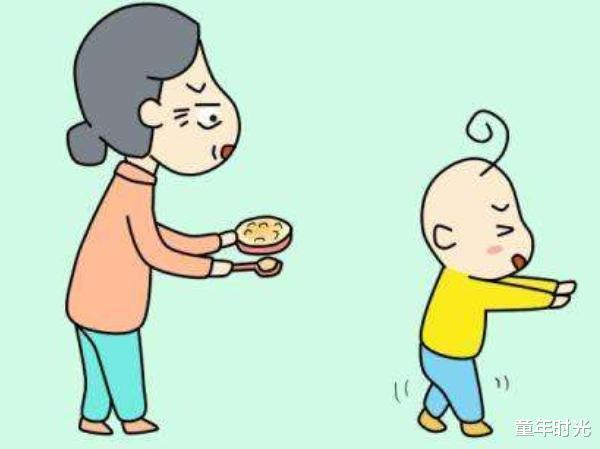 """别再追着娃""""喂饭""""了!父母掌握这5个方法,宝宝独立吃饭并不难"""