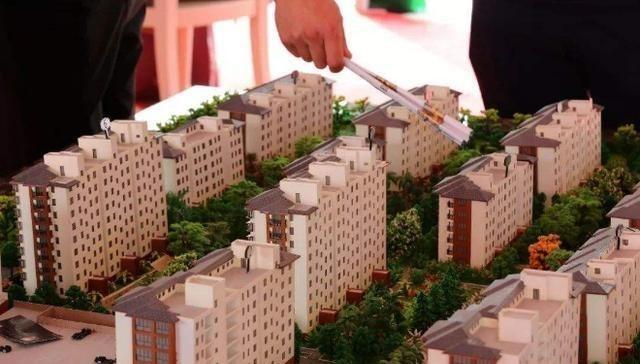未来房子该买在哪里?李嘉诚早已看破:离这3个地方越近越值钱