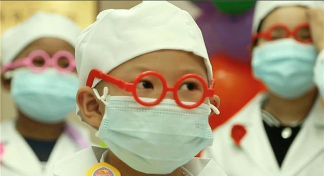 6岁女孩免疫力下降引发白血病,医生:这几类水果最好别让孩子吃