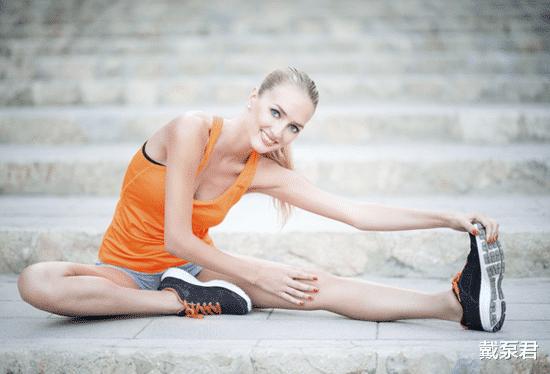 运动健身有益健康,糖尿病友在家也能做