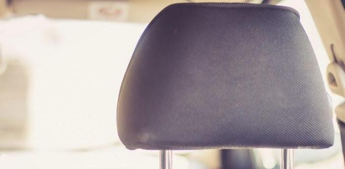 开车时头靠不到头枕,为什么汽车头枕都不舒服