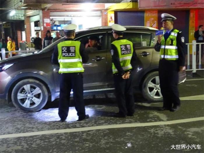 交警查车跑了逮到,交警为什么逮教练车