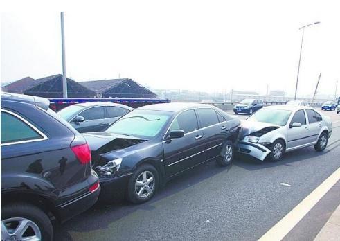 刹车 突然 像被撞了一样,火车撞人是不能刹车吗