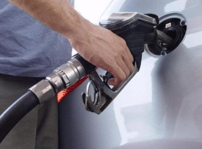 标注加92号以上汽油可加95吗,标95号油加92的会怎样