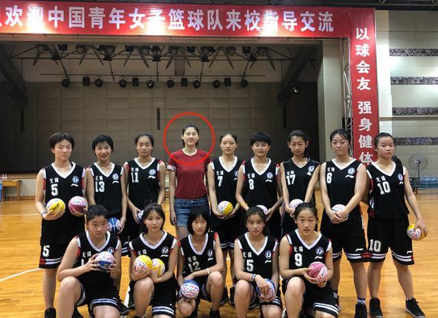 前男篮女篮国手低调再婚,证明只要遇上对的人,二婚也可以很幸福 cba 龚松林 中国篮球 女篮 卞兰 端游热点  第8张