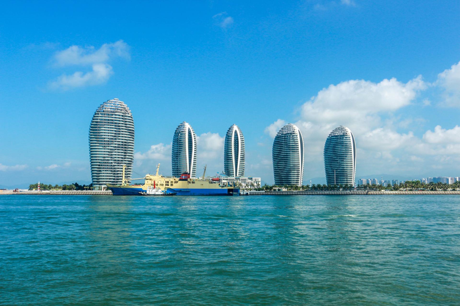 冬天旅游去哪里?海南度假属第一,除了三亚这些地方也值得一去!