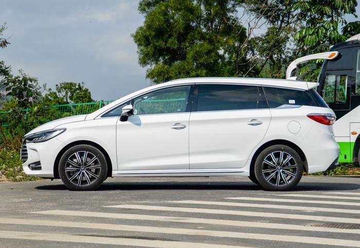 比亞迪宋pro新能源,比亞迪新能源汽車價格