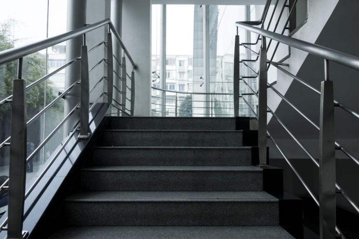 摩臣4娱乐:楼梯房还有涨价的机...