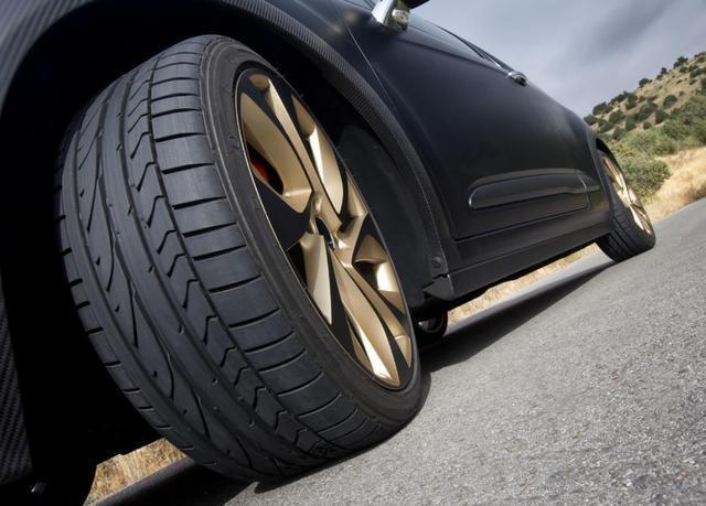 判断左右车轮位置图解,新手怎么判断车轮位置