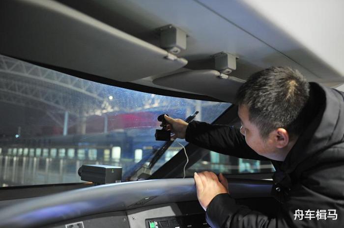 哪种行车记录仪最实用,行车记录仪使用教程