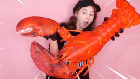 大胃王称因吃播负债数十万 揭秘网红吃的大龙虾成本才30元